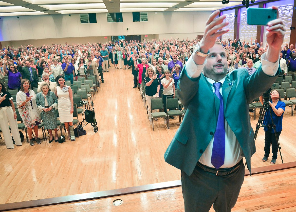 "Welcome to SFA, @SGordonSFA! We consider our""selfie"" lucky to have you on campus! #AxeEm https://t.co/0hc2SMyzcZ"