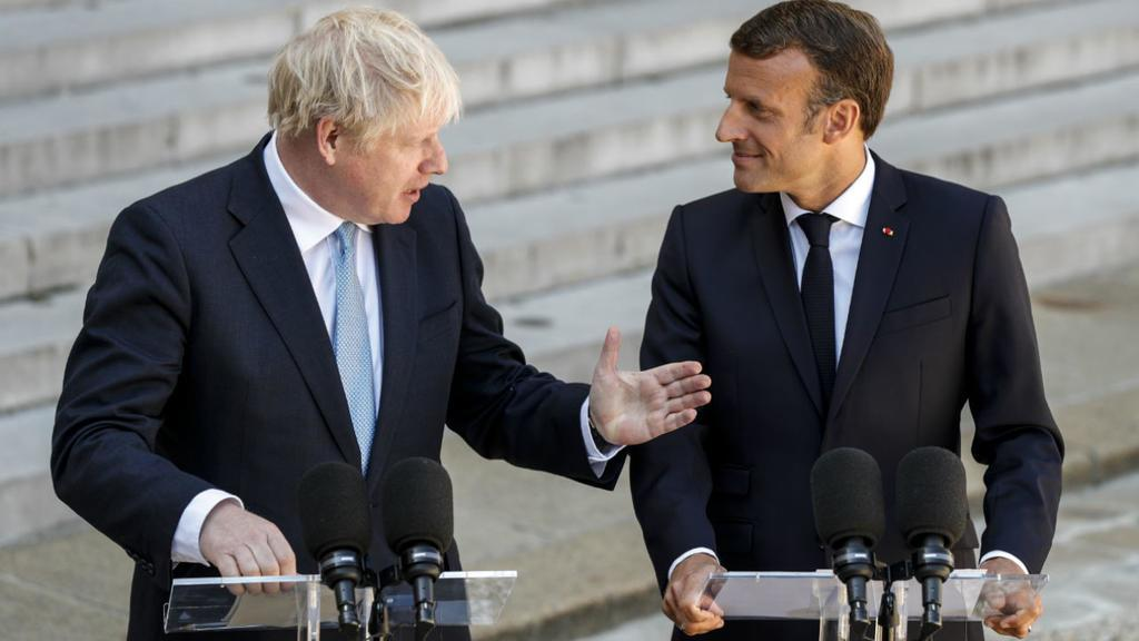 #UK arms sales to Saudi Arabia - £4.7 billion#France arms sales to Saudi Arabia - €2.7 billionBoris and Macron can't agree on #Brexit, but agree on selling billions worth of deadly weapons to #SaudiArabia at the expense of millions of Yemeni children. #BorisBackSliding