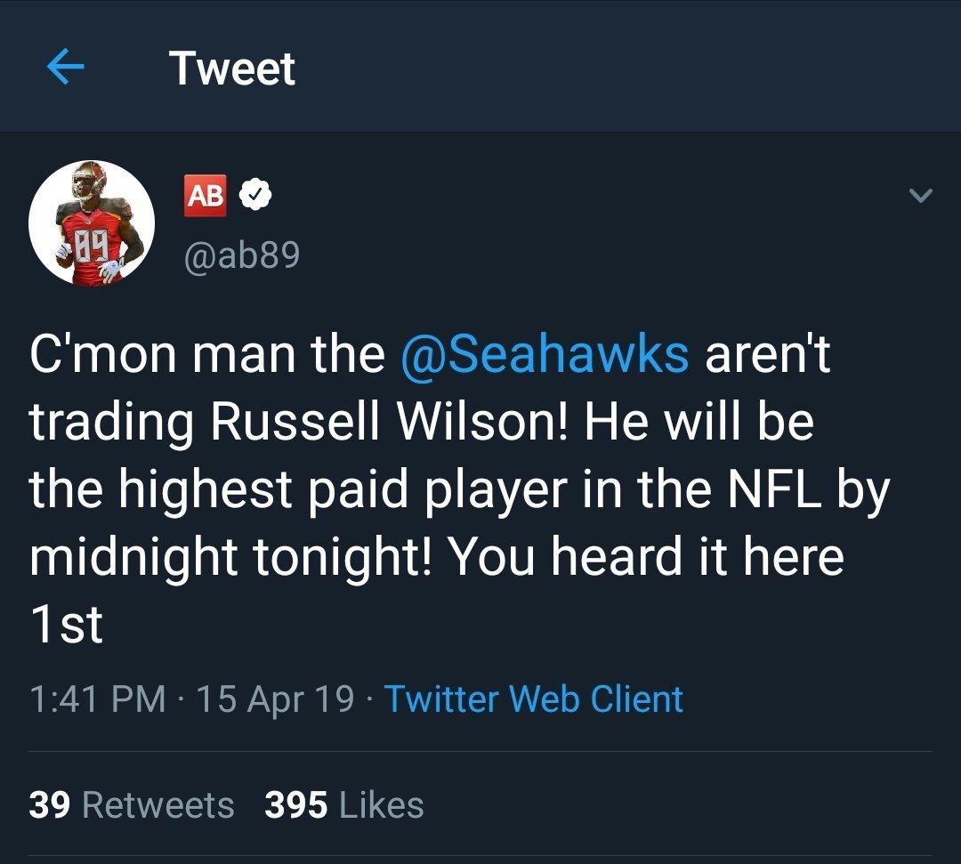 Former NFL Tight End Is Hearing Major Ezekiel Elliott News