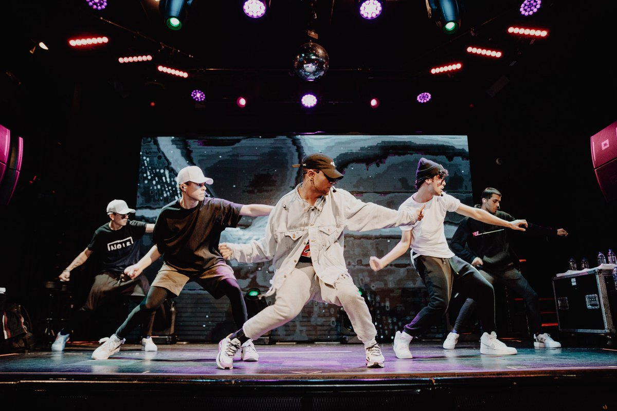 of @cncomusic rehearsing for the first stop of En Vivo tour in NYC tonight, powered by @pepsi! #ad #bbenvivo #pepsiamplify <br>http://pic.twitter.com/yHdGsd9LwL