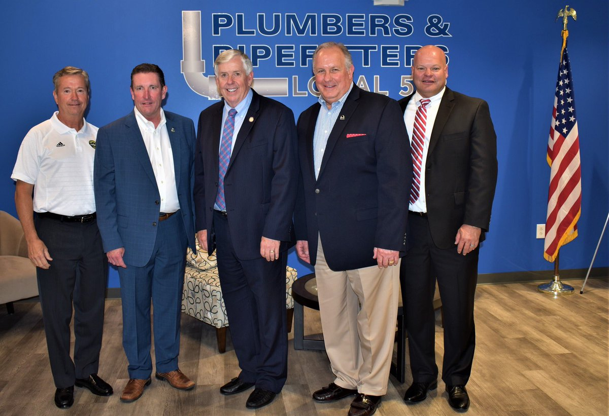 Today Business Manager John O'Mara had the privilege of talking with @GovParsonMO. John along with Pat Murphy, President and CEO of @_MurphCo, and Dennis Corrigan, CEO of Corrigan Company got to talk about the growing workforce in Missouri.