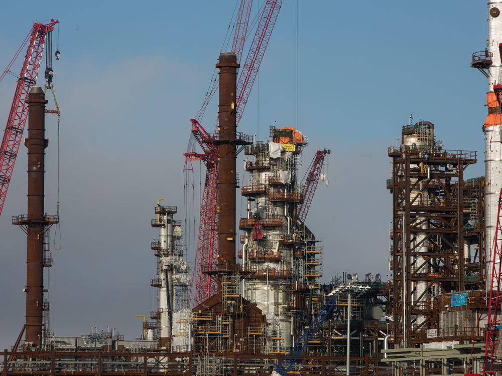 test Twitter Media - U.S. refiners limit crude processing amid slack fuel demand: Kemp https://t.co/hQKZqblrij #PeakOil #yycbiz https://t.co/68TeEbpQq4