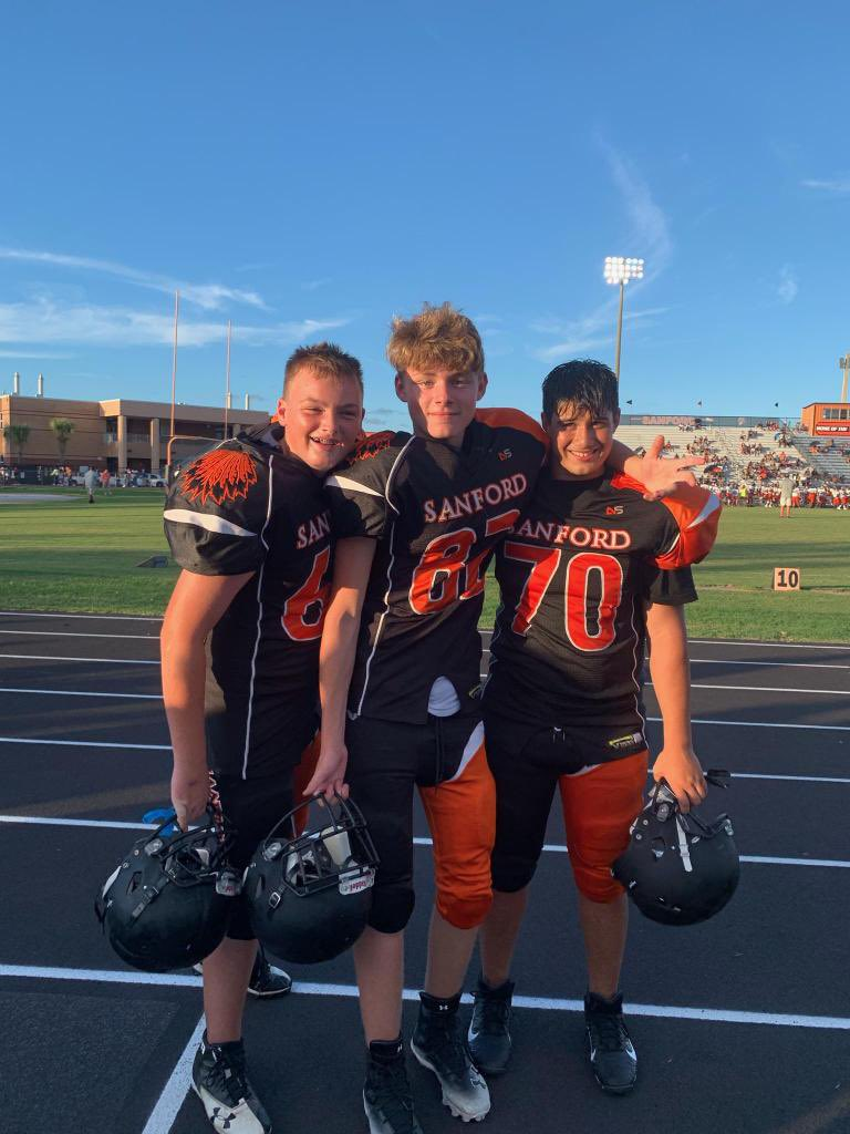 Huge congratulations to my Son on his first High School Football Game, and to the Team for their first win this year @NolesFootball_ @shsnoles @SanSemAthletics Seminole High 40, Lake Mary 0. Well done #Seminoles!! https://t.co/SBrnwYIWfc