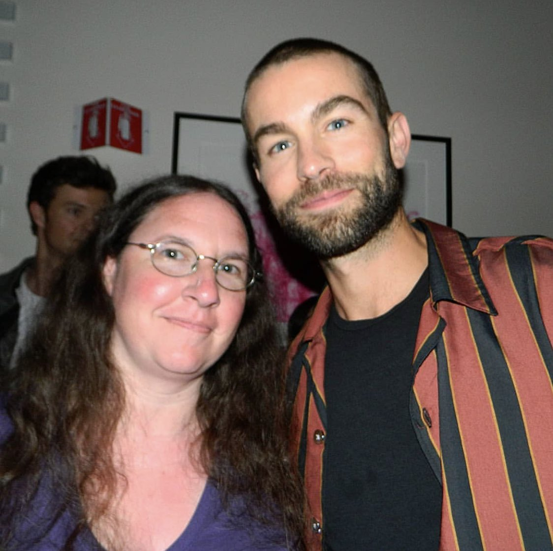 | new/old picture of chace crawford with a fan at #SDCC2019! (via xstarsgoblue28x IG) <br>http://pic.twitter.com/hxyLL6ayBd