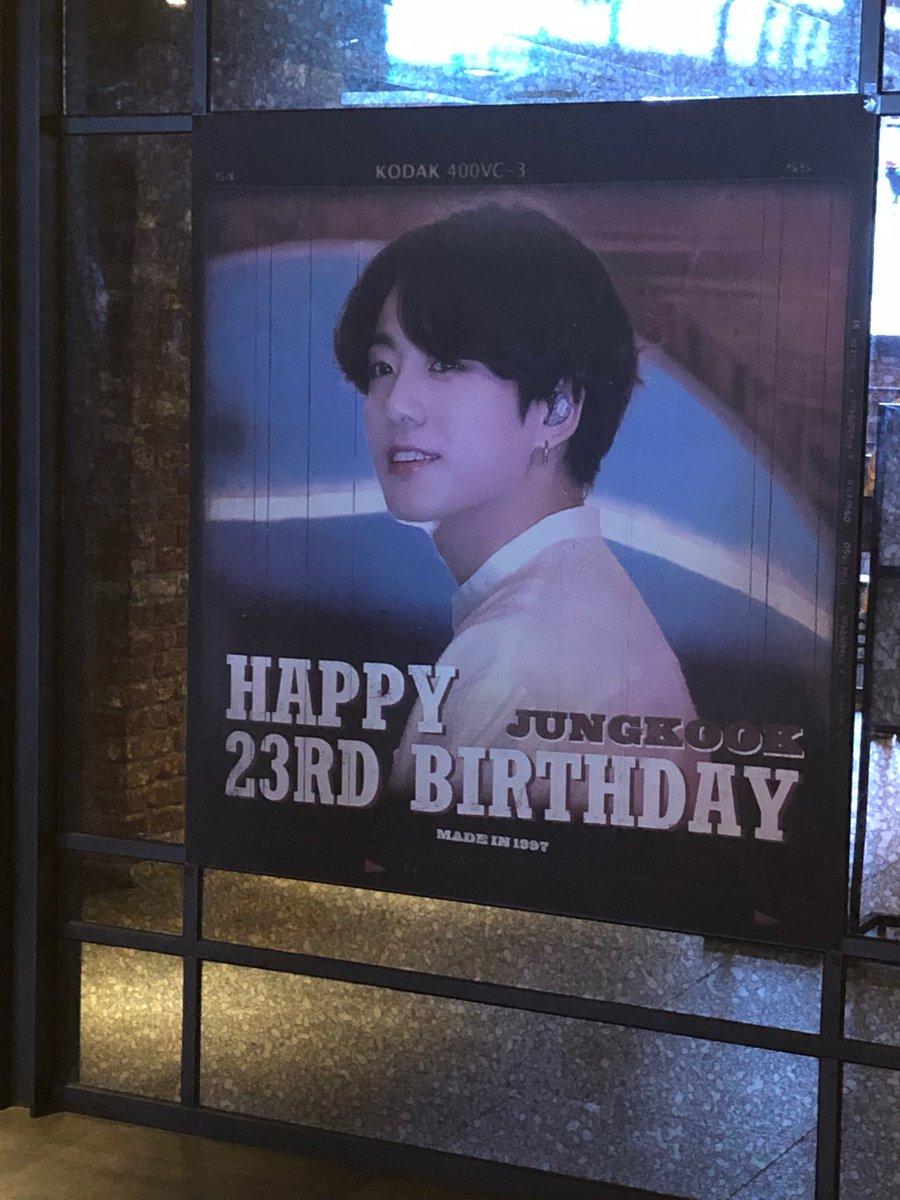 昨日、Bring The Seoul-The Movie を観に行きました。ラッキーな事に、誕生日ビデオも観る事が出来ました😭 今回の旅の素敵な思い出になりました。 @madein1997_jk 様、ありがとうございます😭
