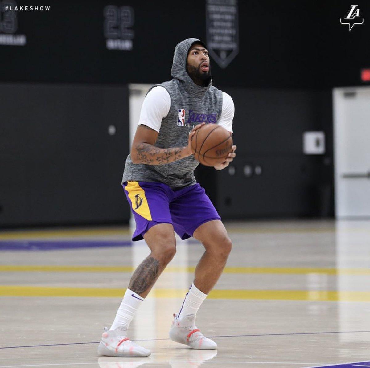 AntDavis23 wearing the Nike Kobe AD NXT