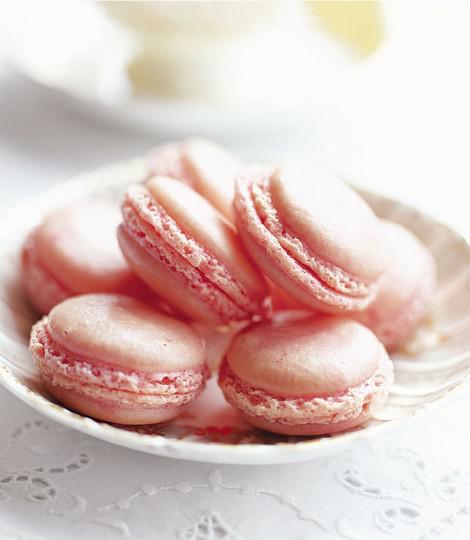 Strawberry macaroons #seasonal #recipe  http:// bit.ly/2LEoqjR    <br>http://pic.twitter.com/YjPJi7KdVz