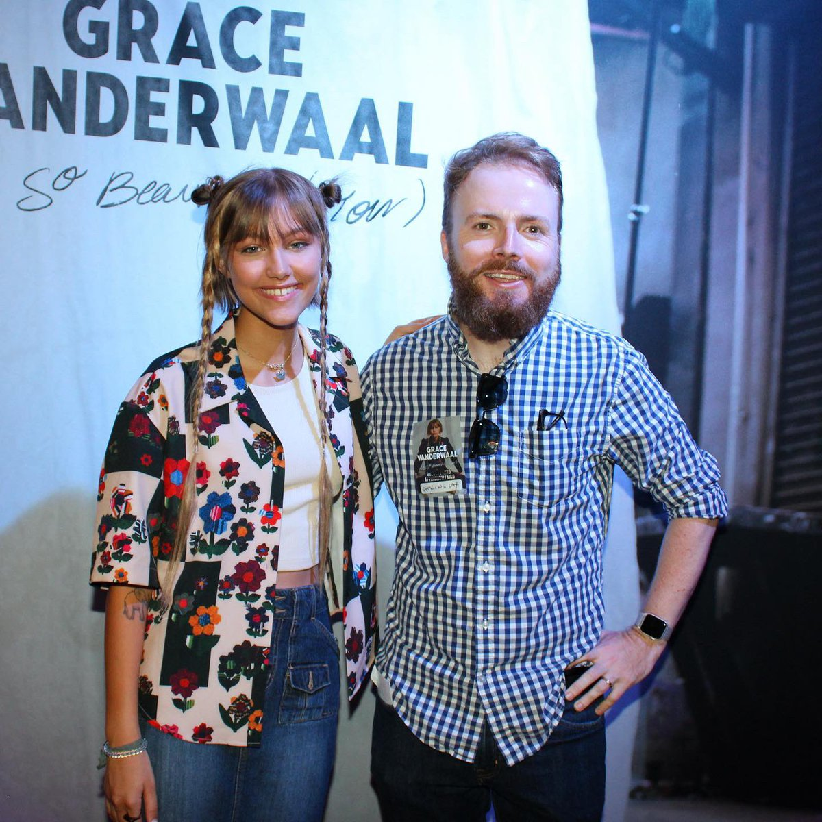 Finally got to meet my most famous pupil @GraceVanderWaal in person tonight! Surprised her at the preshow meet-and-greet. Just as cool, funny, humble and down-to-earth as you might expect. Thanks, Grace - and congratulations on everything!<br>http://pic.twitter.com/6r8hZjyYNh