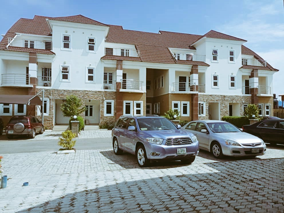 *BUY A DUPLEX AND GET A FREE PLOT OF LAND*  Luxury finished 4 Bedroom Terrace Duplex with BQ at PP ESTATE, Jabi Airport road, Abuja  Title: C of 0 Promo Price: N60M Flexible Payment available  For inspection and enquiries Call/Whatsapp: 08144551893/08025753447 https://t.co/037CxFufR8