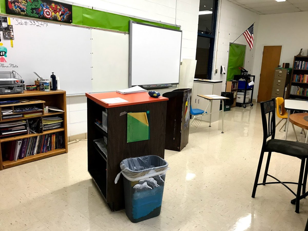 Never thought I would do this, but I got rid of my T desk (still have computer desk) this year & after 7 days, I am LOVING it! Ss love easy access to supplies from T podium & S podium. Additional supplies on a bookcase. More room. Life is good. #RockNTheBoat #4OCFpln #tlap <br>http://pic.twitter.com/6hJadffkxy