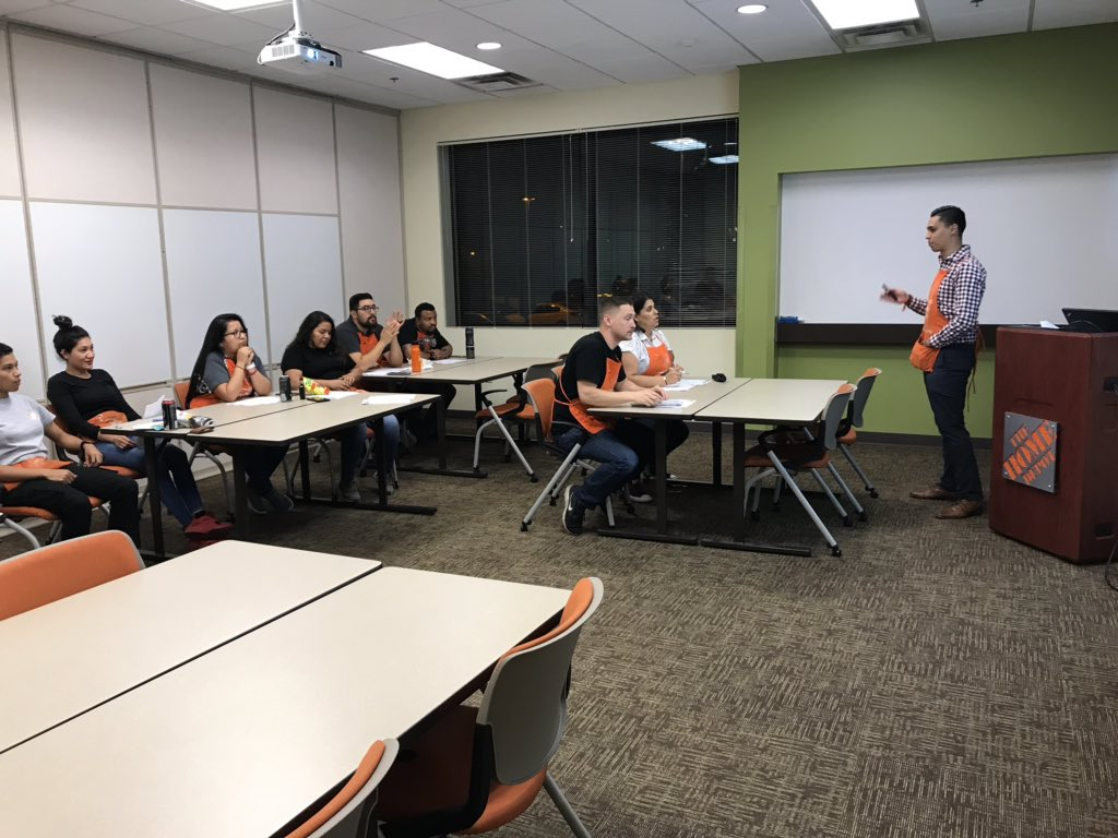 """Area Supervisor, Alfonso prepping key 4 associates on """"Interview Skills ."""" Great job & Thank you Alfonso for your engagement with our associates & doing a great job on impacting development .@Vandy6007 @DFGabby6007 @THDAraceli6007 @RudyC6007 @johnsonbo77 @JacquelineOseg6"""