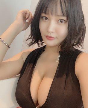 グラビアアイドル彼方美紅のTwitter自撮りエロ画像38
