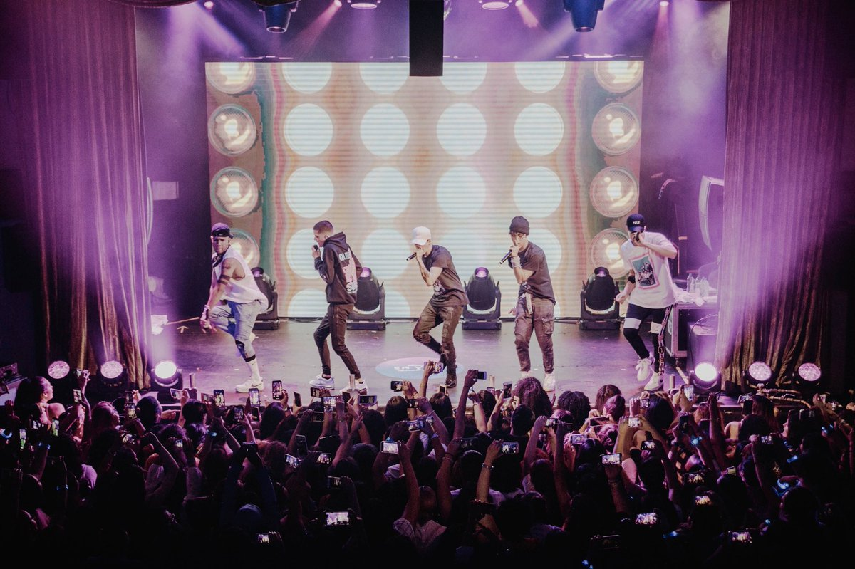 En Vivo in NYC  @pepsi helped us put on a stellar show! Kudos @cncomusic, @matthunter123 and @djlunarosa #ad #pepsiamplify #bbenvivo<br>http://pic.twitter.com/qQfiFPYV8Z