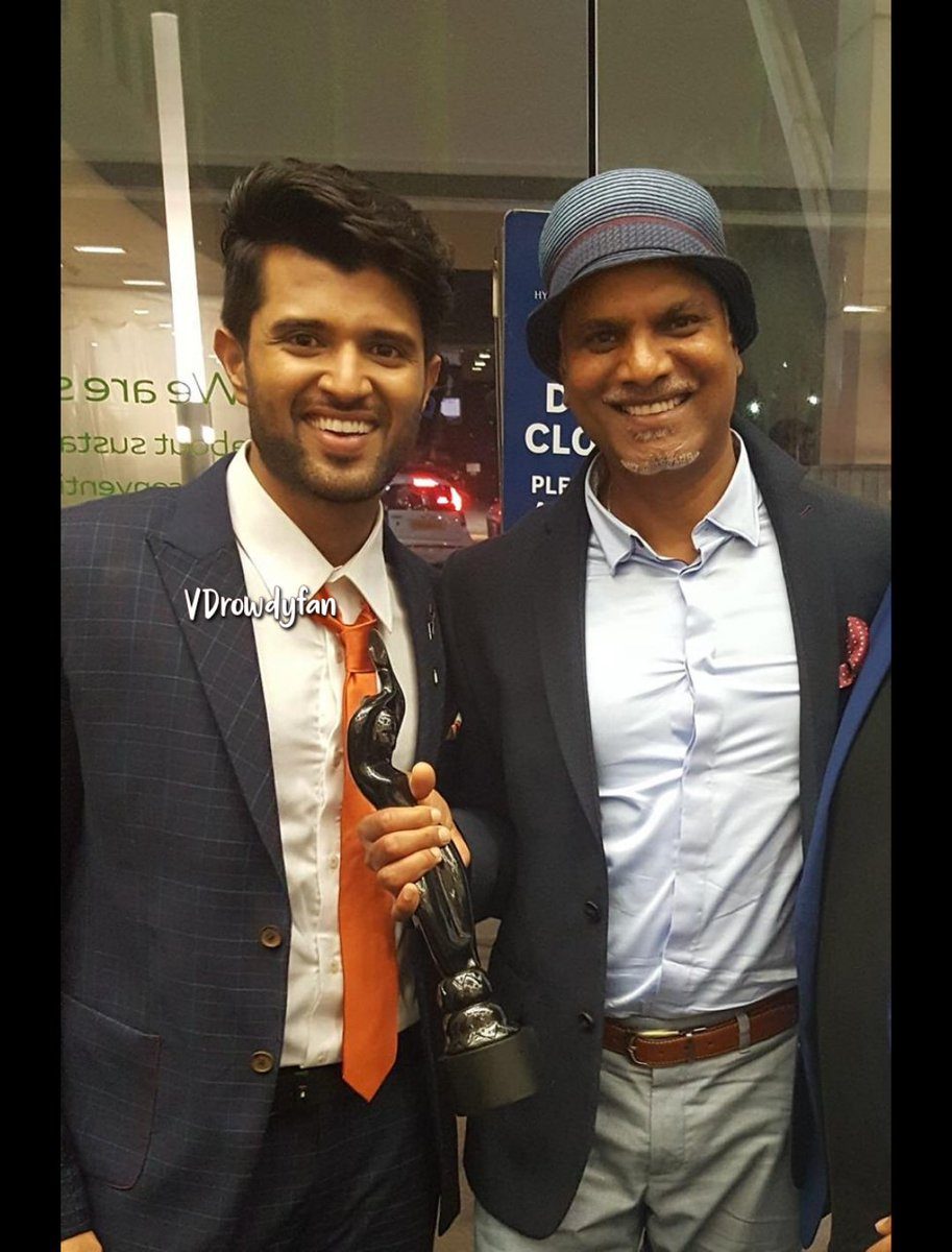 Vijay Deverakonda with his uncle and producer @YashBigBen  #VijayDeverakonda  LOVE FOR VIJAY DEVERAKONDA   @TheDeverakonda<br>http://pic.twitter.com/TEWMjnzr2B