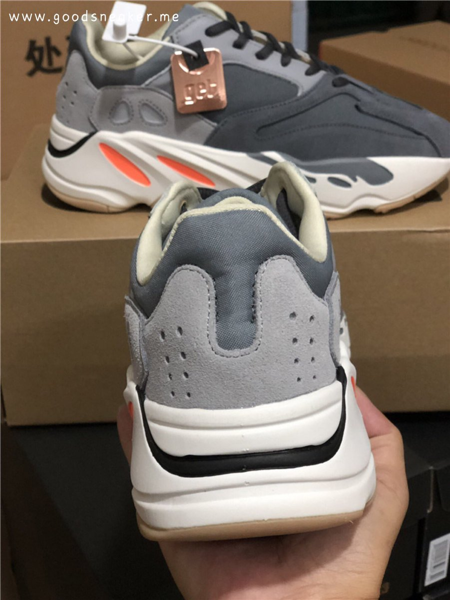 best loved f1ffd 8c2e9 yeezy700boost hashtag on Twitter