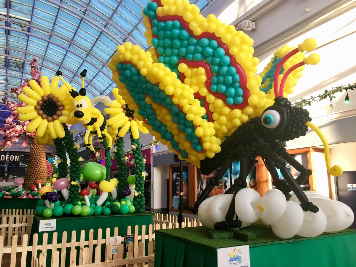 TheRedDragonCentre on Twitter: Here we go everyone! It's sunrise at The RDC and something wild and wonderful has sprouted inside our home of fun overnight. Wow wow wow! Our #BalloonArtFiesta sculptures are here until Mon 26 Aug so don't miss them! What an incredible job by @DoctorbobBU🎈#takeawalkonthewildside…