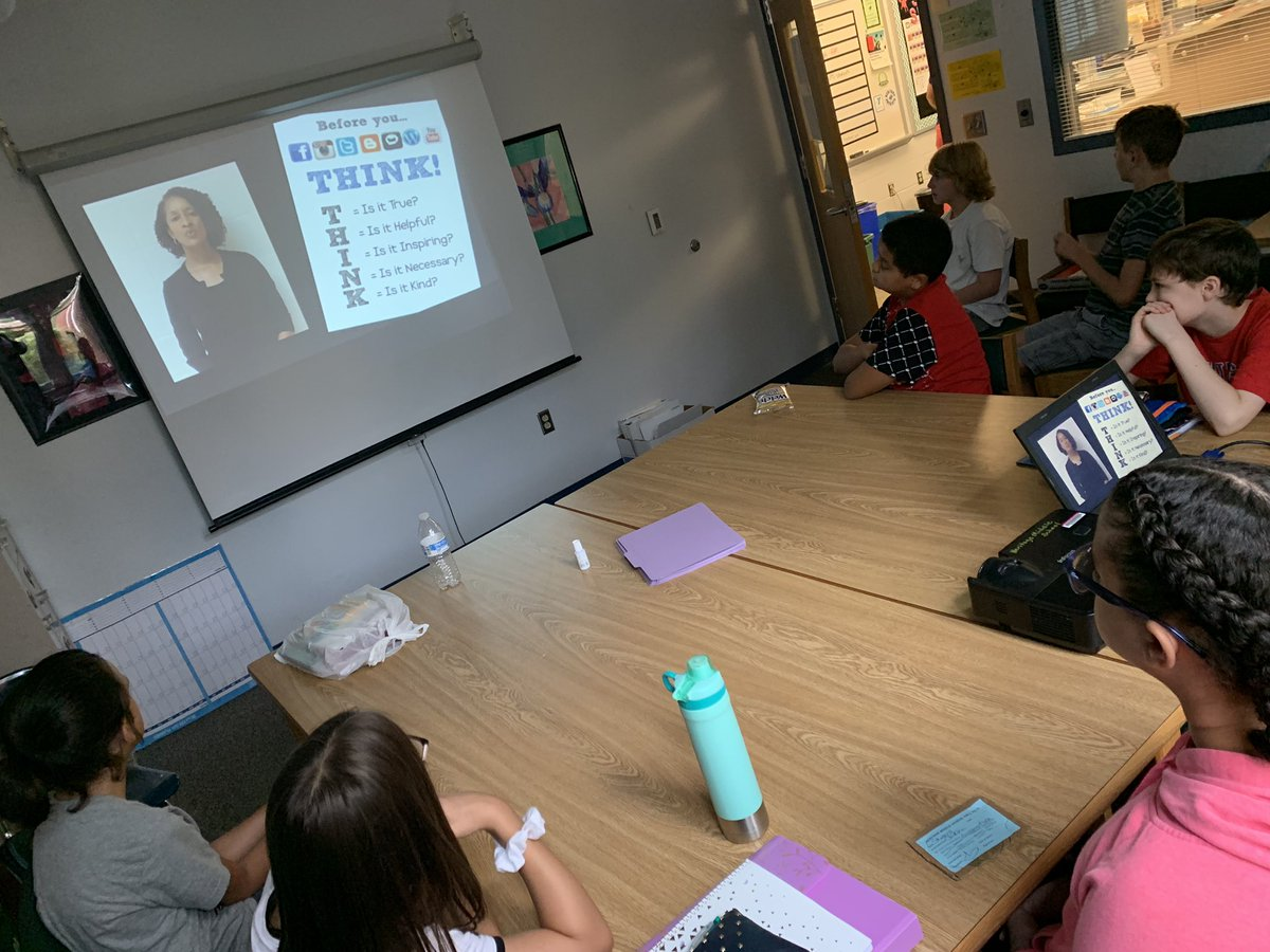 Some of our new student watching/learning about #TheHeritageWay @HeritageMiddle1<br>http://pic.twitter.com/h7VERlLlQU