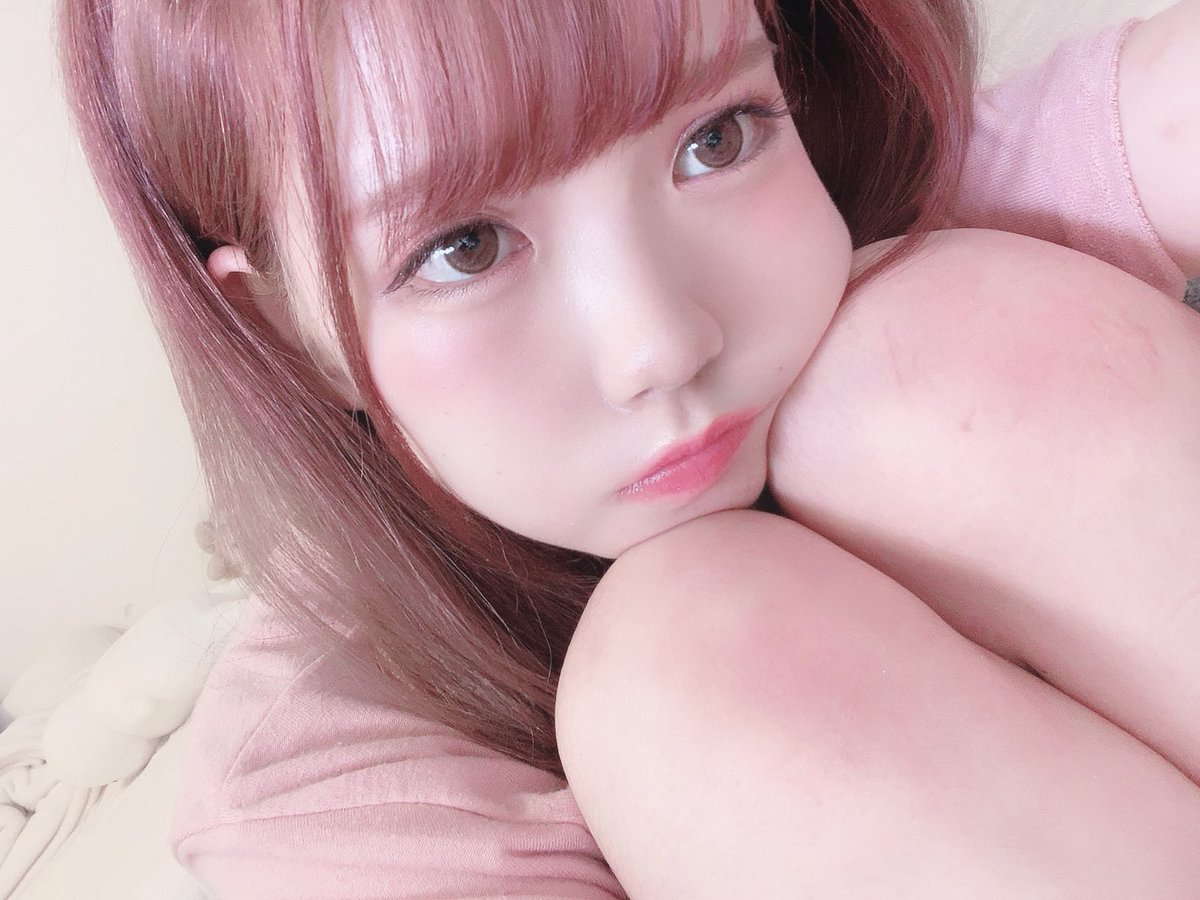 ピンクの髪になってからピンクがとても好きなきもち
