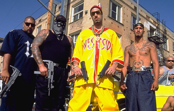 A young Anthony Pettis, pictured far right, with his childhood gang. Headed by inspirational leader and street soldier, Ali G https://t.co/o5PIb2RxNd
