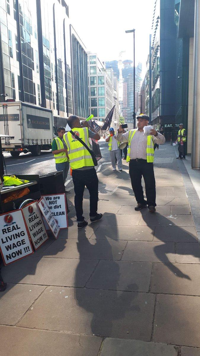 Un nuevo viernes, y aquí estamos con @AGInsight, aún compartiendo nuestras exigencias de: El sueldo digo de Londres Vacaciones anuales iguales Pago por enfermedad igual