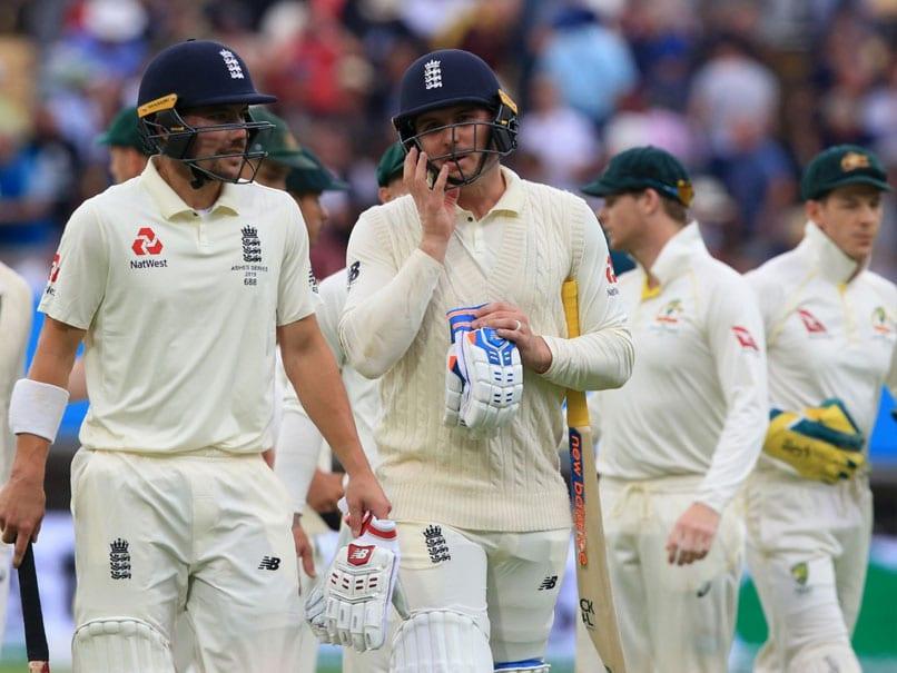 3rd Test Live: England Eye Solid Start After Australia Fold For 179 https://t.co/mRCjfksg3X https://t.co/DpHGxAQVSv