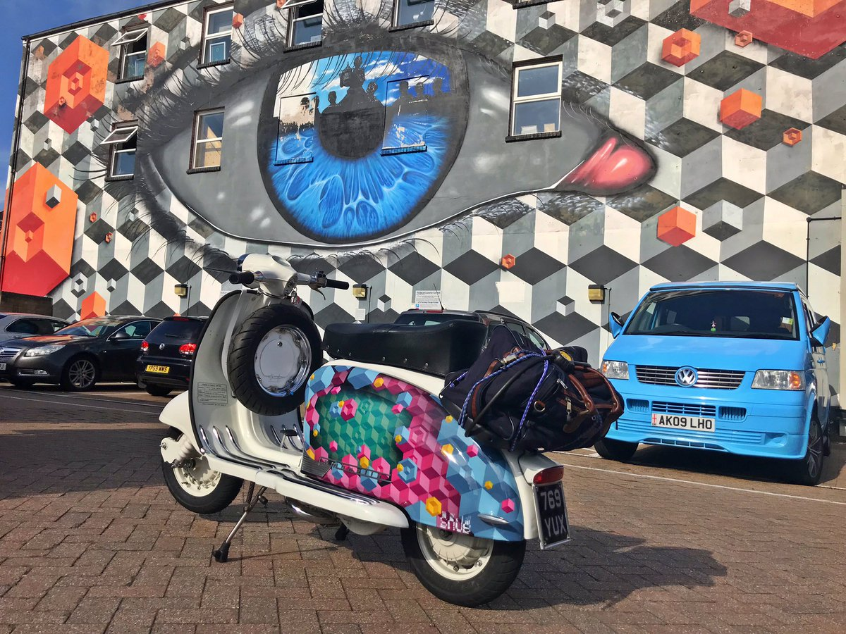 At #pompey on the way to the #IsleOfWight, couldn't resist a quick photo with a matching wall!   Mural by @MyDogSighs and @SNUB23, scooter by #snub23  @StreetArtChat @QueGraffiti @trojan_sc @johnnhendo @Quadrophenia_uk @LondonLambretta <br>http://pic.twitter.com/VfoMQYfOXn