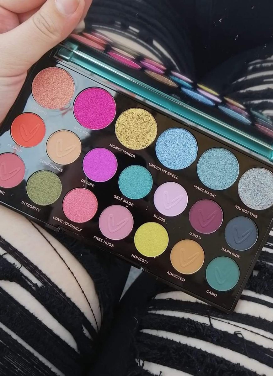 So I'm excited to try this out today! @MakeupRVLTN Make Magic palette bc you know ya gal can't resist a spooky theme  <br>http://pic.twitter.com/ufZAxg6Sji