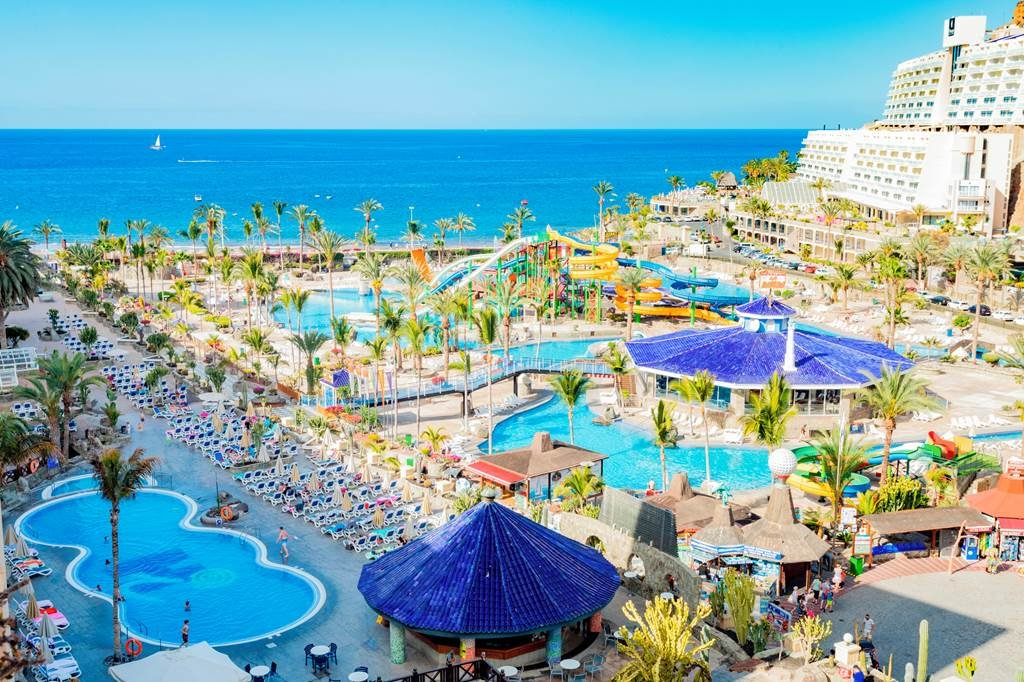 Already looking for your #Summer2020 family getaway? #GranCanaria Family of 5 total price-£2884 6th June 20207 NightsFly from #BirminghamAirportAll-Inclusive 03333 580 500 info@nevisadventures.com #TravelAgents #Holidaypackages #HolidayDeals #Holidayoffers #travel<br>http://pic.twitter.com/ceYKCQKTBR