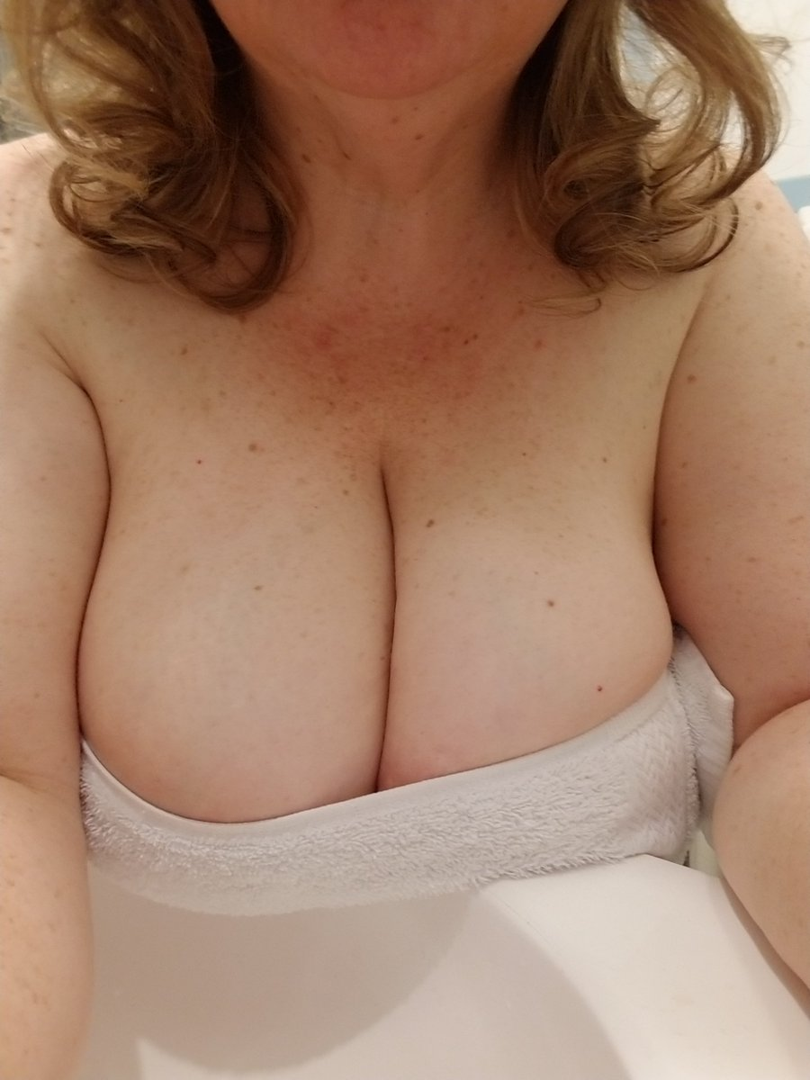 Let my maturity & skills show you the way. Drown in my extraordinary cleavage, succulent taste👅😋💋#dateChicago #dateIndiana🍆💦 Im so very eager to let you in and blow your mind! Text 773-441-4040 Prebook Daily by appt after screening. Duo day/eve Fri 08/30 Z ~ Kindly RT #tata
