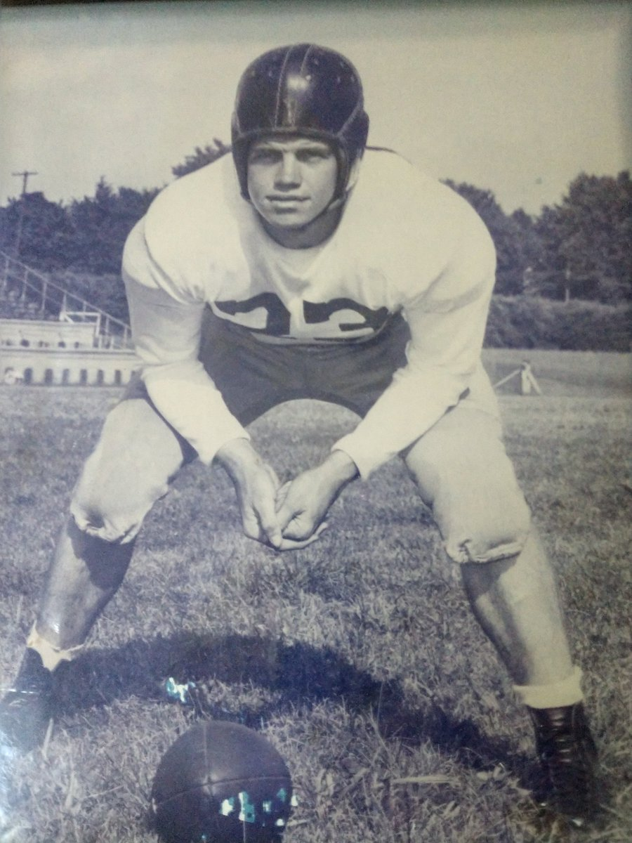 My dad, Clayton Powers, will be inducted into the Frankfort HS Hall of Fame tonight! All State in football and basketball. Played at U of Kentucky for Bear Bryant. Won State Championship as a the head football coach at Pikeville HS. KY. https://t.co/v5uqrSrriO
