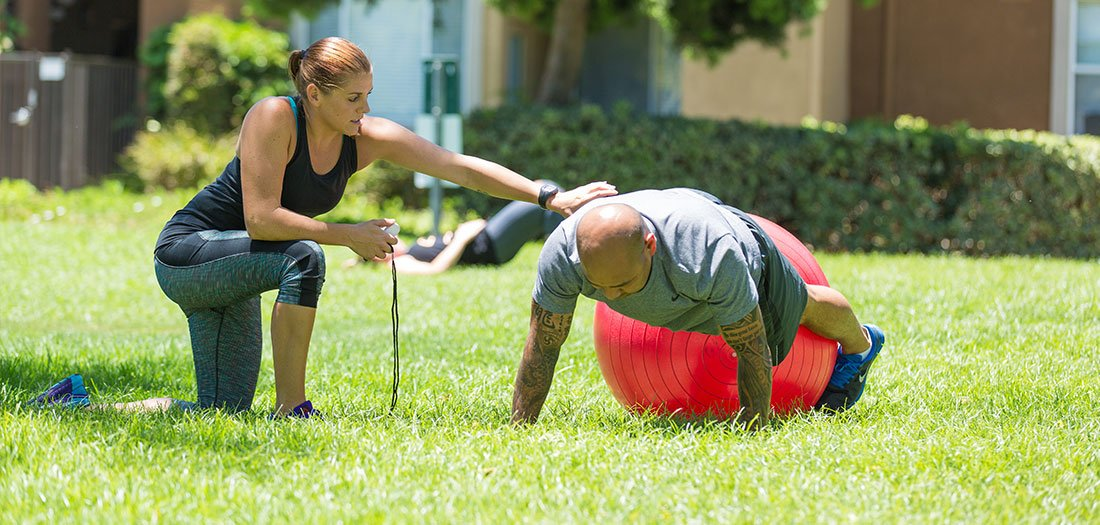 5 Ways to Build a Strong Coach-Client Bond. #fitnessaddict #fitnesstips  http:// bit.ly/2EpuS9c     <br>http://pic.twitter.com/UvMnfyqjLg