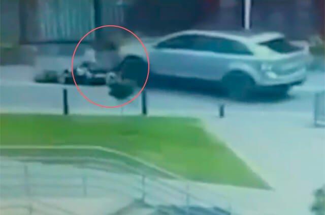 Persiguió y arrolló a motociclista porque le pegó a su camioneta por detrás https://buff.ly/2MAcz5Z