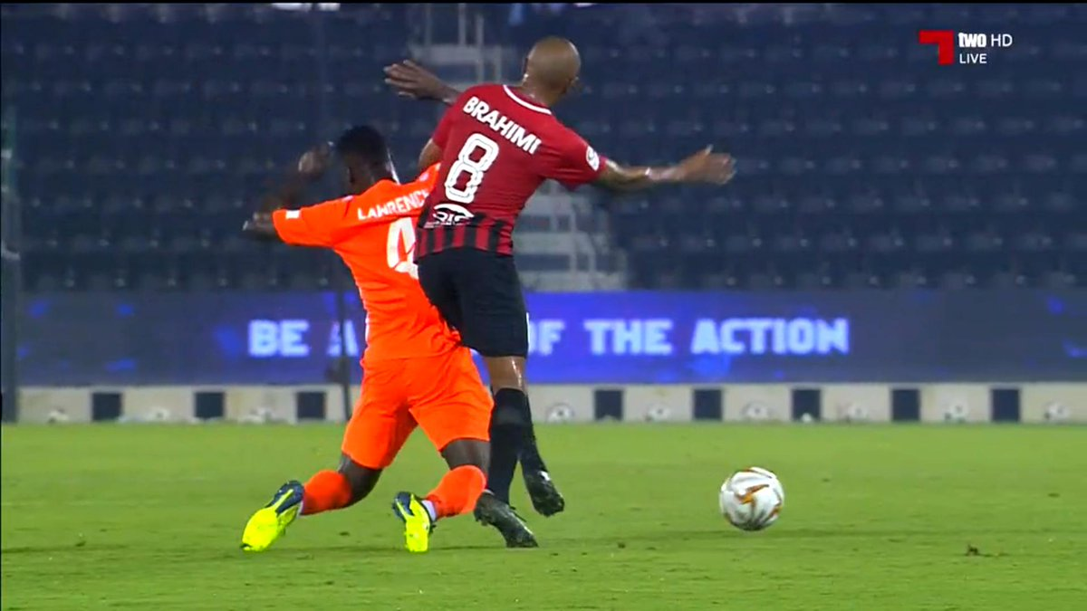 Yacine Brahimi looking very rusty in his QSL debut, he was injured in the summer, had #AFCON2019 and only started training with Al-Rayyan recently so probably explains why, his side are leading 2-1 at the half