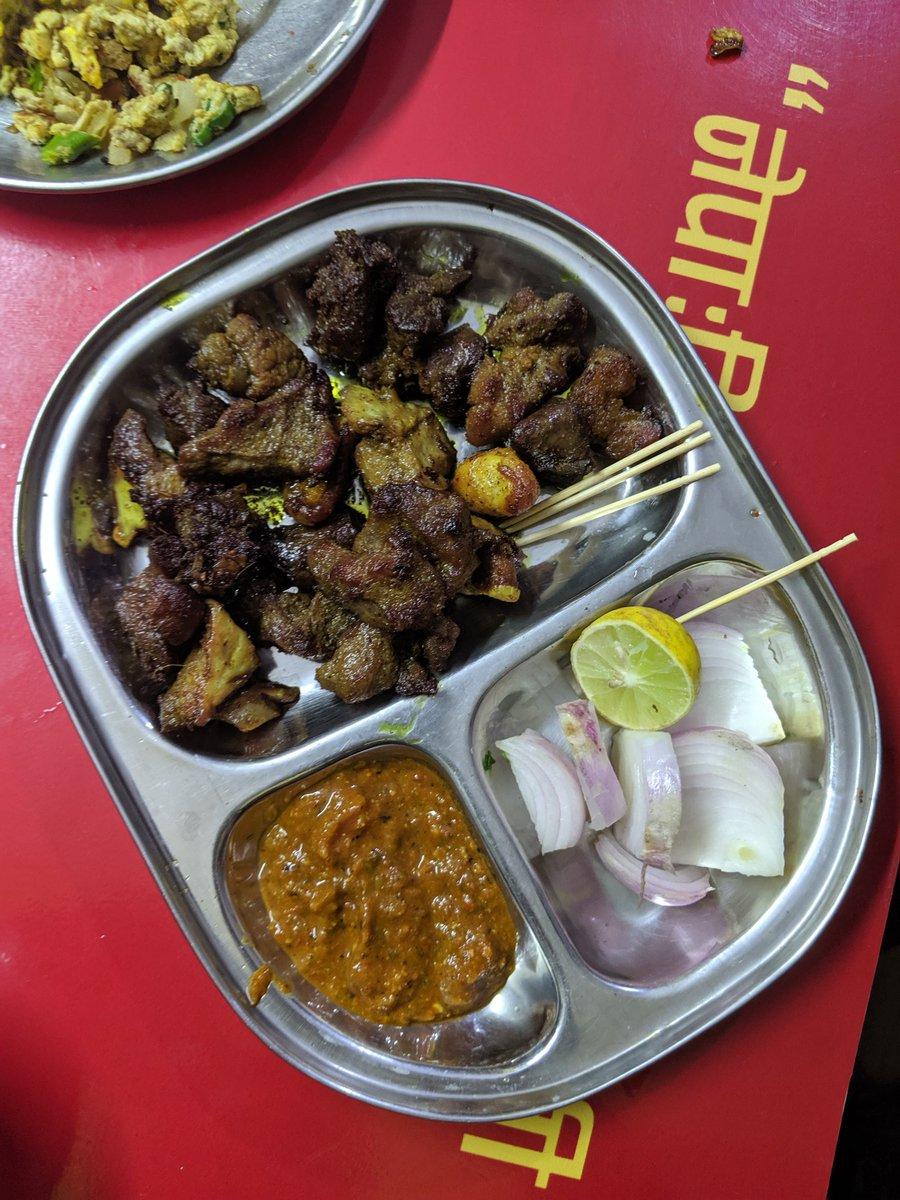 एक्लै खाईयो तर पनि घमण्ड गरिएन। 😆#sekuwa #nepalifood #newafood #teampixel #VisitNepal2020 #foodtravel