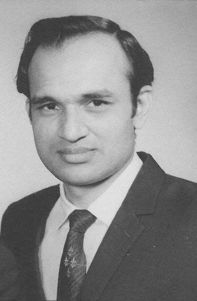 Tributes to legendary Hindi film music composer 'Padma Shri' #KalyanjiVirjiShah on his 19th death anniversary. (24/08)   His era with Anandji will always be remembered for their great contributions to the Hindi film music industry.  What are your favorite songs of his? pic.twitter.com/gz7lrVmeUS