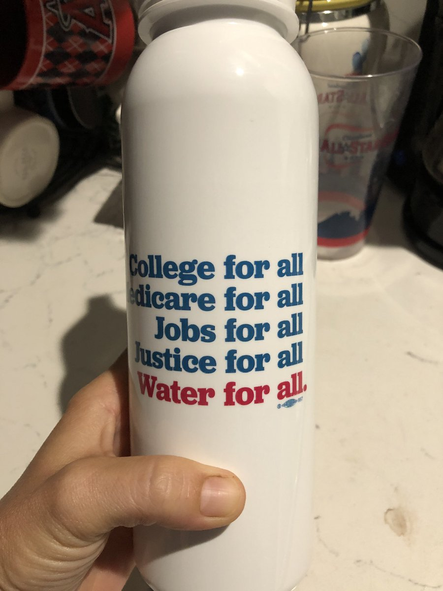 Got my new water bottle  and it's #madeinUSA #Bernie2020 #DemocraticSocialism #NoMiddleGround  #CollegeForAll #MedicareForAll<br>http://pic.twitter.com/khJ47jmIW0