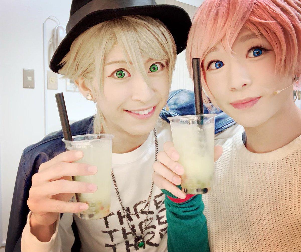 神戸公演初日!!御来場誠にありがとうございましたぁ!公演の前にこのドリンク飲んだんですけどとっても美味しかったです🤗おかげで素敵な公演になりましたァ!カントクさんっ明日からもよろしくお願いしますねっ😉#エーステ #夏組