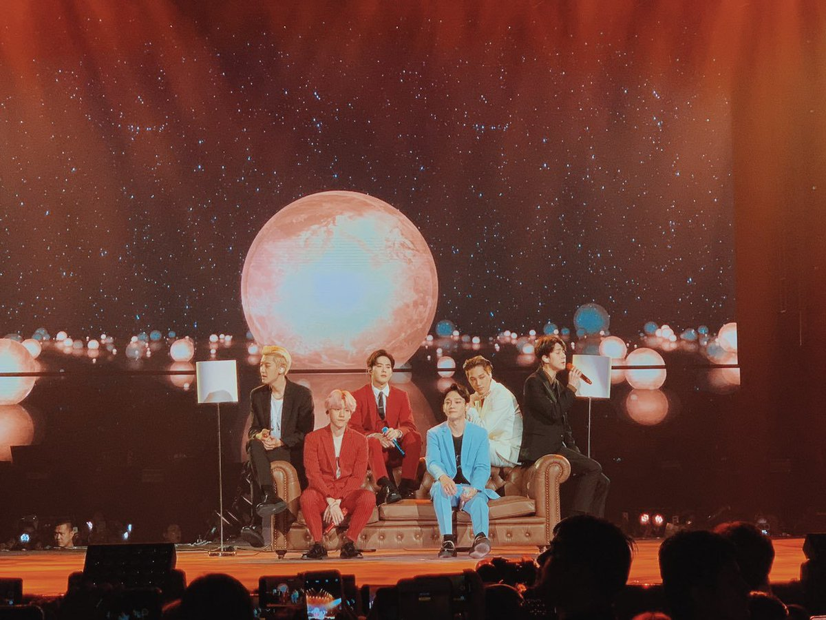 Day 1 may be over, but #EXplOrationinManilaDay2 is only about to begin! Reply with an EXO GIF if we're seeing you tomorrow! 😋 #GlobeKPOP #StanUpTogether