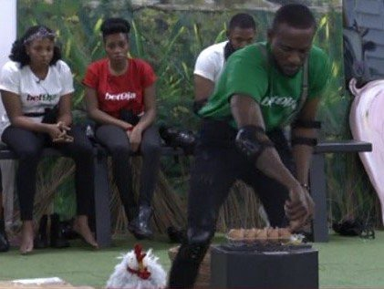 Omashola won't win tonight's #Bet9jaArenaGames.  But he's still on course to win some coins with a 2nd place finish    Has your fave HM gone yet and what was their time    #BBNaija Bet9jaBBN <br>http://pic.twitter.com/1qsFqG2UH2