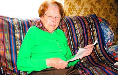1944, une employée de la Mairie de Nerac fournit de faux papiers à 15 familles juives. Lune delles sappelle Polnareff limportant.fr/infos-selectio… #Rediff