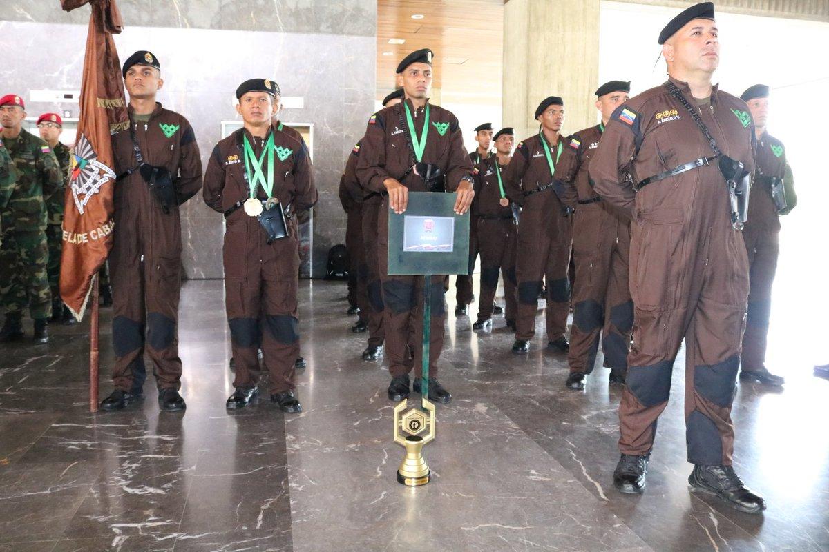 23Ago - Fichero del Ejercito Libertador Bolivariano - Página 2 ECrA_XdXoAEWyxM