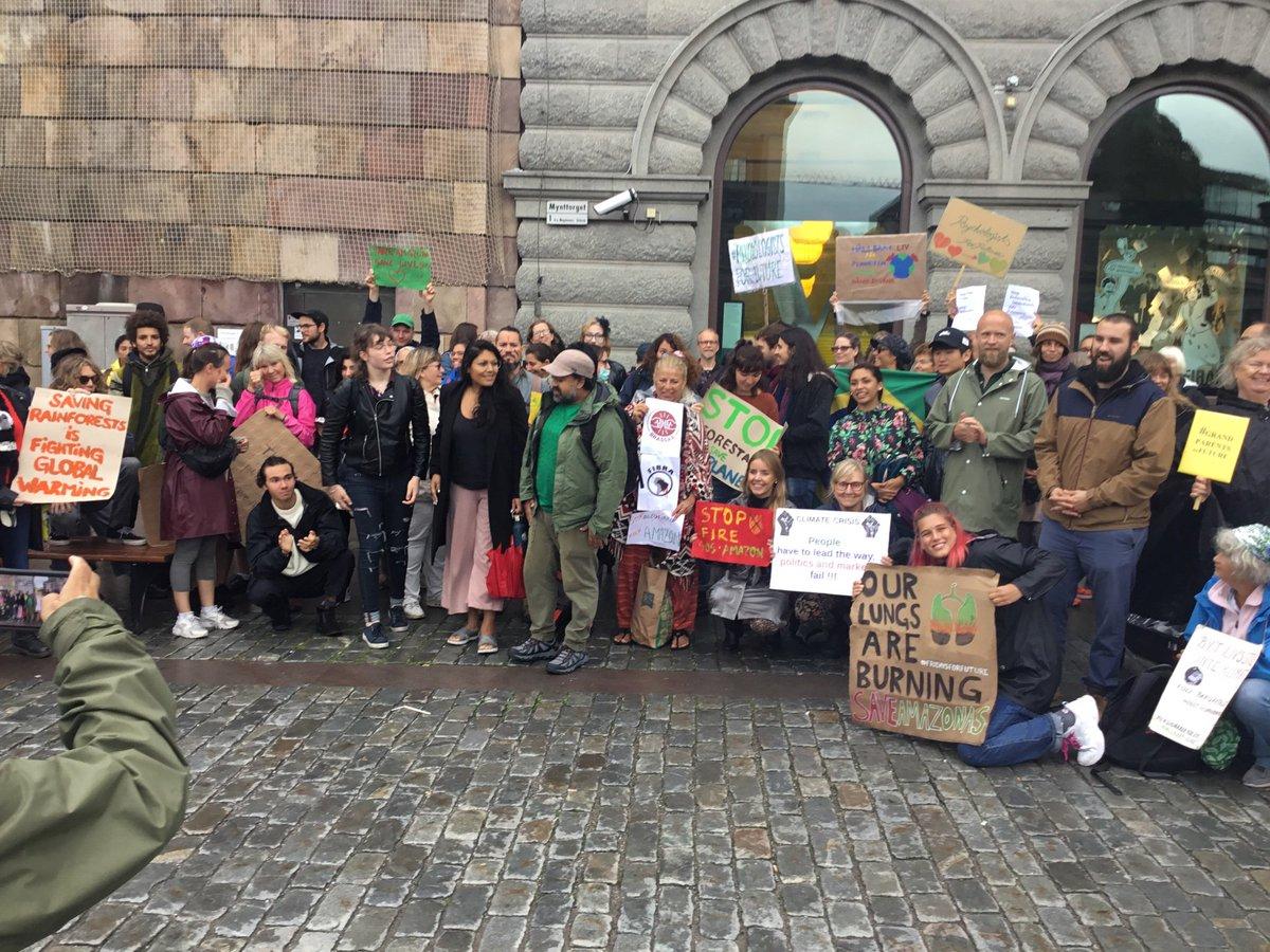 Mynttorget, Stockholm, Sweden 200 people! #SOSAmazon  #FridaysForFuture  @FridaysTurkey @fff_europe @Fridays4future @FFF_USA<br>http://pic.twitter.com/tm448VBxOc