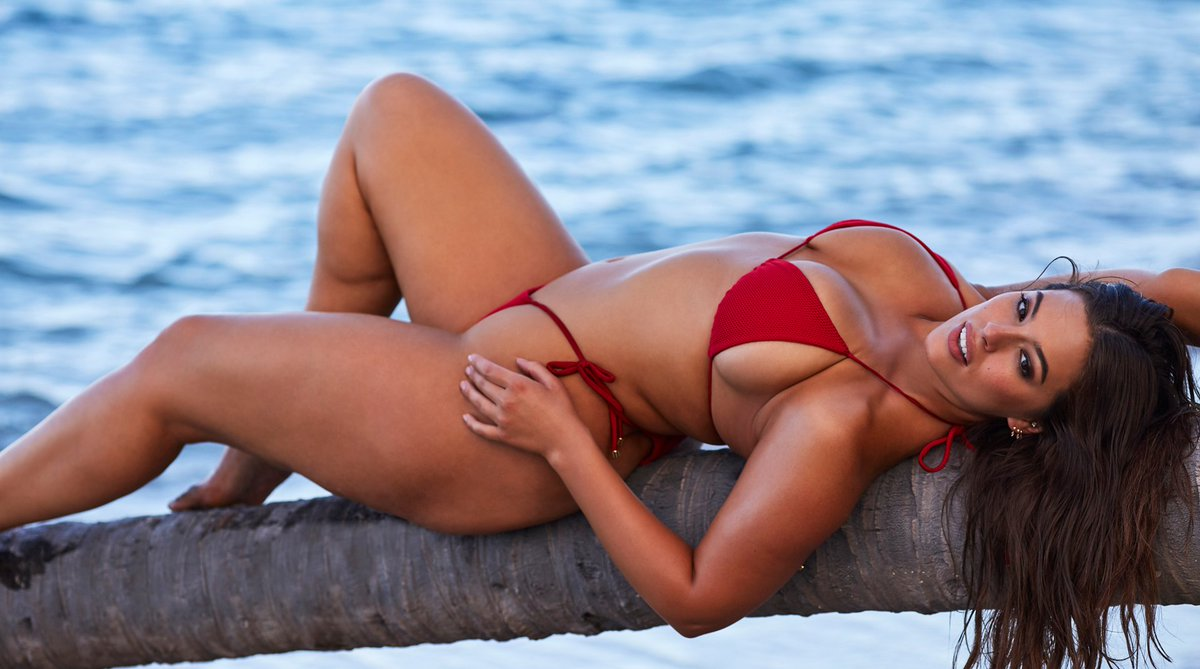 RT @SI_Swimsuit: Ashley Graham's business role model is an #SISwim legend! https://t.co/QLLGWwm7RB https://t.co/do2DY9ku0v