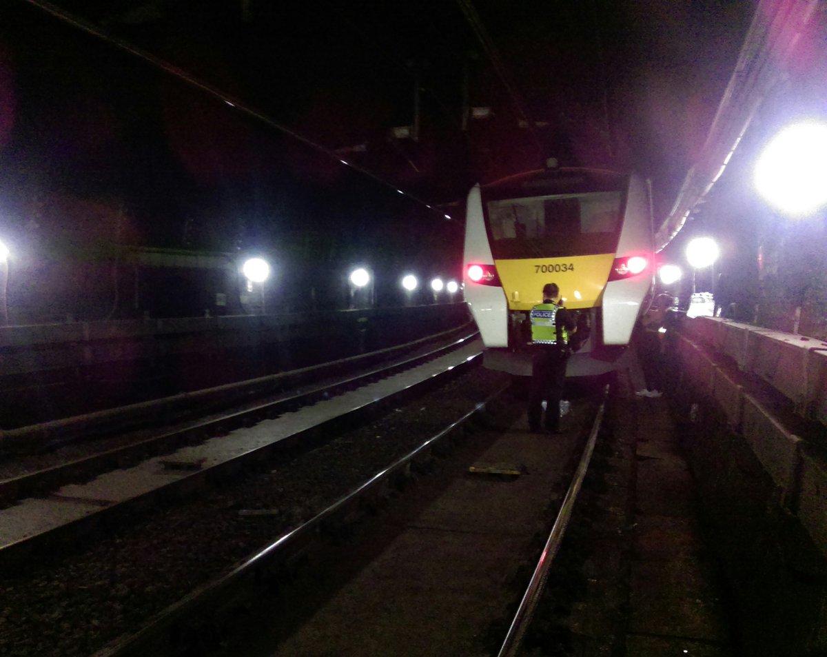 ECrSbifWwAATqJu - Thameslink does it again!