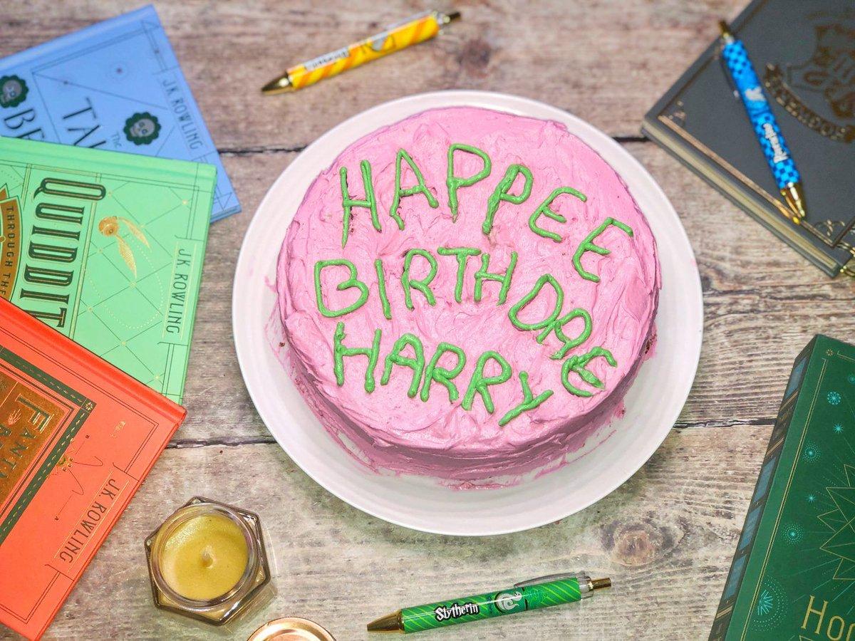 Harry Potter's Birthday cake recipe: https://t.co/vsivdPclTC  #teacupclub #bloggerstribe #BloggerBabesRT #BloggersHutRT #BloggerLoveShare #bloggerssparkle https://t.co/Qz31OjY9vz