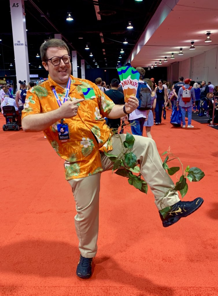 This year for #D23Expo I'm cosplaying as Drew Carey from the world's most beloved extinct attraction, Superstar Limo! I've got extra maps in case you need some direction. Hope I have done justice to this universally loved attraction AND to @TPIRhost himself!<br>http://pic.twitter.com/m1RCjNmyC3