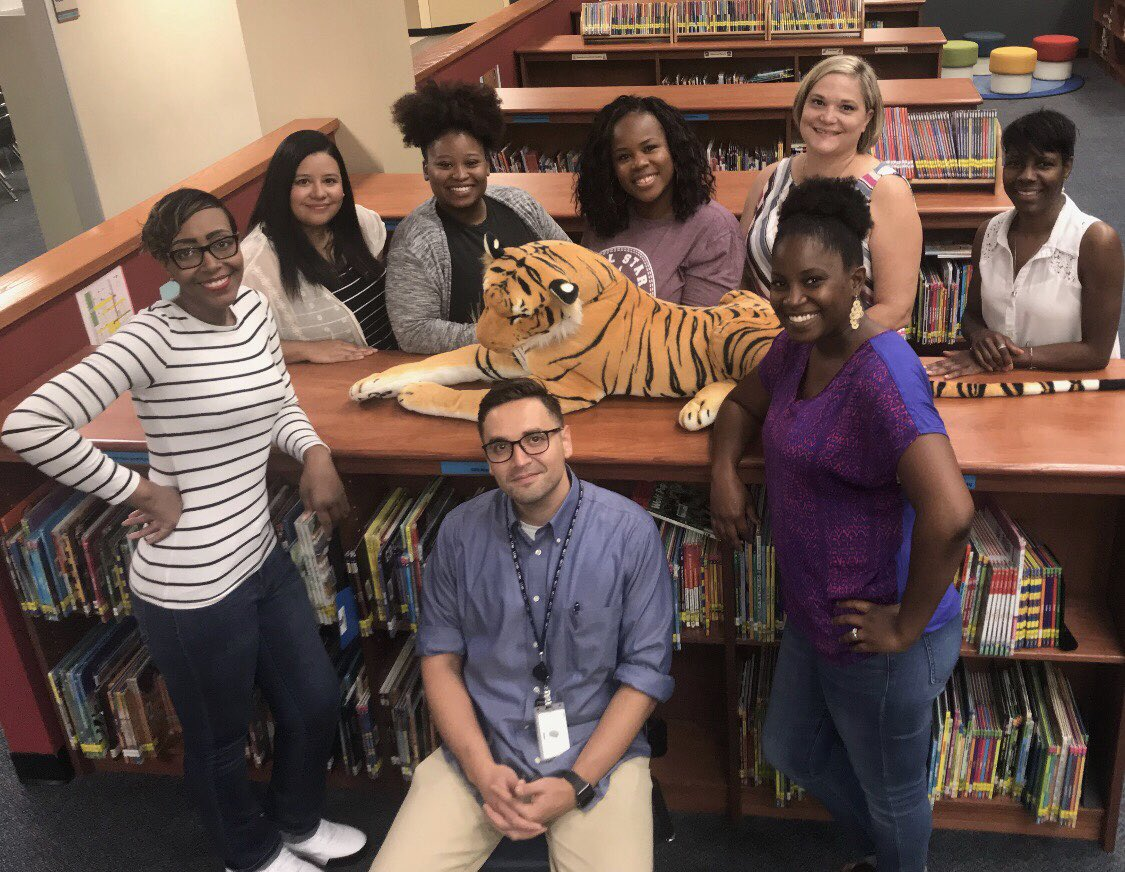 #3rdgrade @HemmenwayStreak has 89 years of teaching experience combined. Ready to welcome our new tigers 🐯