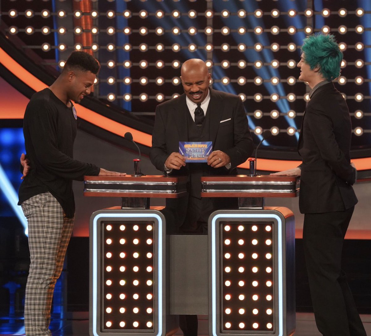 Family Feud this Sunday vs @Ninja Make sure y'all tune in!!! Who do you think won??<br>http://pic.twitter.com/38vI0ht6bz