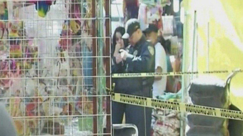 Imparable la violencia en la Ciudad de México. Asesinan a balazos a comerciante en La MercedDetalles: http://bit.ly/2ZglOiv