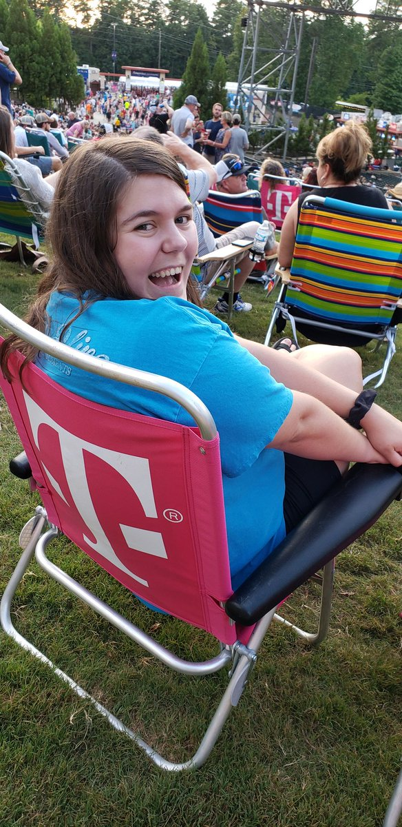 Thanks @TMobile and @JohnLegere for the free chair rental at @AmerisBankAmp. Was an awesome surprise! Ready to party with @BradPaisley <br>http://pic.twitter.com/4IxeDPS2W0